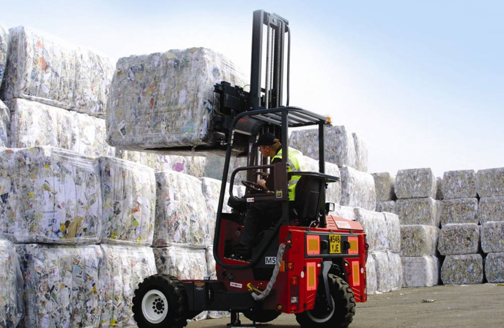 What are the Causes of Forklift Tip-Overs?